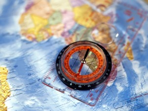 map_compass_blue_close-up_7896_800x600